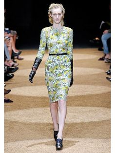 Proenza Schouler I love the gloves & belt with the floral.