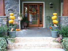 Spooky Halloween decoration ideas pumpkins wreath House