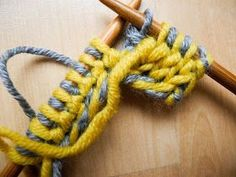 Vielen von Euch hat die Doubleface-Techn… – Home Decor Wholesalers Poncho Knitting Patterns, Loom Knitting, Knitting Stitches, Knitting Needles, Crochet Patterns, Knitting Projects, Crochet Projects, Crochet Hooks, Knit Crochet