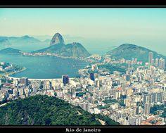 https://flic.kr/p/bJFMqr | Rio de Janeiro | Rio de Janeiro  Difícil descrever o Rio de Janeiro apenas com palavras, as imagens descrevem melhor essa cidade que é a porta do Brasil para o exterior, a capital do Brasil para os estrangeiros, a cidade brasileira mais conhecida no exterior, nossa maior rota do turismo internacional e principal destino turístico em todo Hemisfério Sul da Terra, o Rio de Janeiro é o espelho do Brasil, seja positiva ou negativamente. Uma cidade que encanta a…