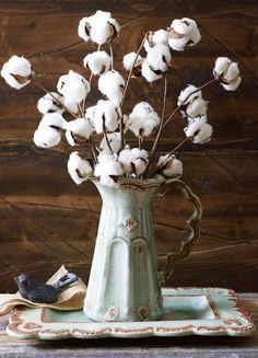 Rustic Cotton Stems with 15 to 18 Cotton balls. Perfect for your farmhouse decor. Use in a display vase or rustic farmhouse jug. Easy Home Decor, Cheap Home Decor, Diy Home, Country Decor, Rustic Decor, Country Chic, Vintage Decor, Furniture Vintage, Furniture Design