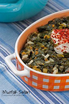 zeytinyagli_ispanak_yemegi_tarifi Turkish Recipes, Oatmeal, Recipies, Healthy Eating, Herbs, Dishes, Vegetables, Cooking, Breakfast