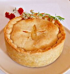Chicken and Leek Pie-English and Leek Pie Perfect Pie Crust, Good Pie, How To Make Pie, Food To Make, Chicken And Leek Pie, Bacon Egg And Cheese, European Cuisine, Pie Crust Recipes, Butter Pie