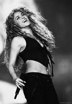 Shakira Shakira ♪ Love her!