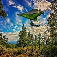 Tentsile Stingray tree tent - the ultimate tree house. Order now Tree Camping, Camping World, Camping And Hiking, Camping Hacks, Outdoor Camping, Camping Ideas, Camping Outdoors, Outdoor Gear, Backpacking