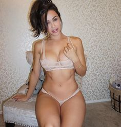 """""""Have a great Sunday!! Did you catch my snaps today? ☺️ @anacheri Tag some friends who like brunettes #AnaCheri"""""""