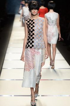 Fendi Spring 2014 Ready-to-Wear Collection Slideshow on Style.com