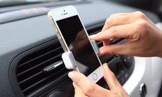 La razón por la que los puertos USB del auto son tan lentos al recargar tu móvil - http://www.notiexpresscolor.com/2017/09/05/la-razon-por-la-que-los-puertos-usb-del-auto-son-tan-lentos-al-recargar-tu-movil/