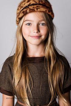 model: Anastasia Bezukova. photo: Zhanna Romashka Photography