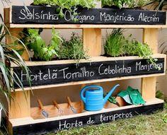 Este projeto simples irá te mostrar como fazer algo bem bonito para a sua varanda ou jardim.