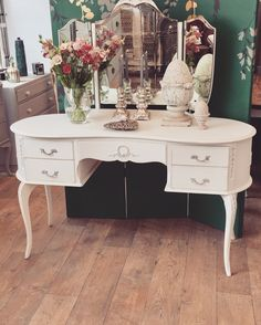 Unique Furniture, Shabby Chic Furniture, Mundo Ideal, Vanity, Mirror, House, Home Decor, Dressing Tables, Powder Room