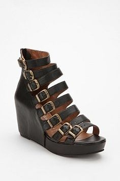 UrbanOutfitters.com > Women's  Shoes > Sandals - StyleSays