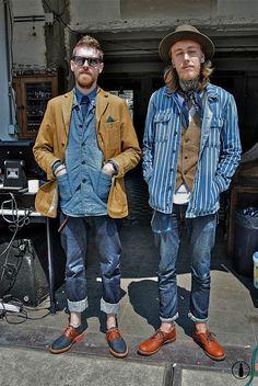 Afraid of double denim? Here's a double double denim that works. Estilo Hipster, Estilo Denim, Hipster Grunge, Denim Fashion, Look Fashion, Fashion Outfits, Stylish Men, Men Casual, Street Style Vintage