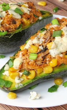 chicken stuffed avocado/avocado with pulled pork Avocado Recipes, Paleo Recipes, Great Recipes, Cooking Recipes, Favorite Recipes, Yummy Recipes, Dinner Recipes, Healthy Cooking, Healthy Snacks