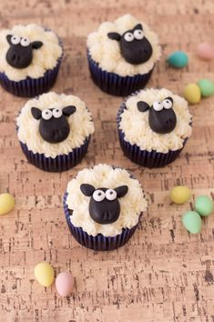 Funky Sheep Easter Cupcakes If you're looking for a fun way to celebrate Easter, look no furth Sheep Cupcakes, Animal Cupcakes, Fun Cupcakes, Mocha Cupcakes, Gourmet Cupcakes, Strawberry Cupcakes, Velvet Cupcakes, Flower Cupcakes, Spring Cupcakes