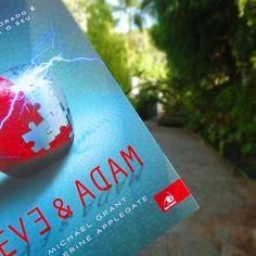 A leitura do fim de semana! #novoconceito #bookporn #bookworm #book #blog #blogliterario #instabook #instalivro #euinsisto #blogeuinsisto