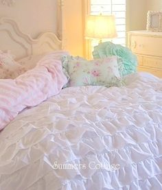 BEACH COTTAGE CHIC DREAMY WHITE RUFFLES COMFORTER SET TWIN or FULL / QUEEN