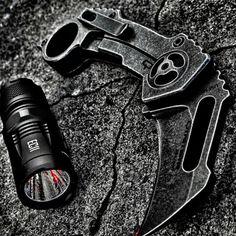 Quarter Master QTR-5 with Nitecore EC11 Flashlight