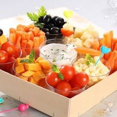 Pagnote apéritive crudités et fromages Appetizer Plates, Appetizers, White Cheese Sauce, Raw Vegetables, Starchy Foods, Best Oatmeal, Steak And Eggs, Base Foods, Culinary Arts