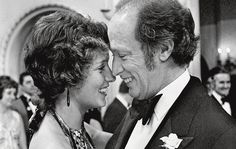 He was Canada's most charismatic politician and a great statesman. Margaret Trudeau, Famous Celebrities, Celebs, Trudeau Canada, History For Kids, Canadian History, Justin Trudeau, Love To Meet, Have A Laugh