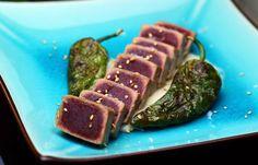 Hoy os trauigo un riquísimo tataki de atún rojo con un toque de Torta del Casar, para chuparse los dedos!