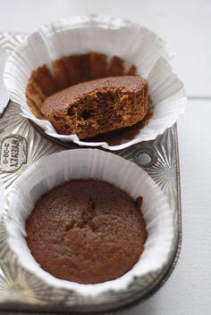 Gingerbread Cupcakes Recipe | via wenderly.com