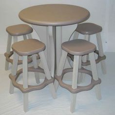 30-Inch Round Table with 4 Stools