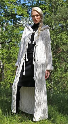 Instant Download PDF pattern. Long sleeve hooded by IlzeOfNorway