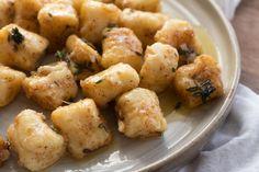 Gnocchi with Thyme Butter Sauce Giada Recipes, Cooking Recipes, Healthy Recipes, What's Cooking, Veggie Recipes, Yummy Recipes, Healthy Food, Recipies, Gnocchi Recipes