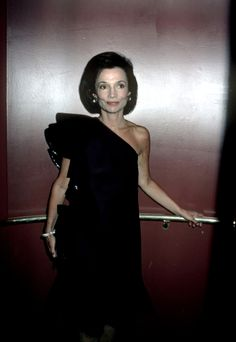 Lee Radziwill's Best Style Moments: Timeless American Elegance in Pictures | W Magazine | Women's Fashion & Celebrity News Jaqueline Kennedy, Jackie Kennedy, Her Style, Cool Style, Caroline Lee, Lee Radziwill, High Society, Fashion Group, Paris Fashion