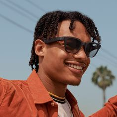 Bose launches Frames sunglasses that are also headphones. Motion Capture, Popular Mechanics, Wearable Technology, Cool Landscapes, Future Fashion, Augmented Reality, Wireless Headphones, Sunglass Frames, Revolutionaries