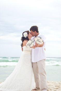 mr and mrs sign beach wedding