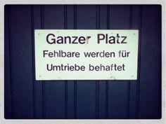 In Basel an einer Garage gefunden.