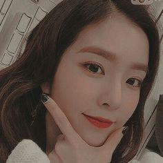 Check out Black Velvet @ Iomoio Red Velvet Irene, Black Velvet, Seulgi, Rapper, Peek A Boos, Kpop Girls, My Idol, South Korean Girls, Asian Girl