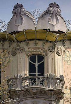 "Art Nouveau Balcony ""Casa LaFleur"" in Torino"