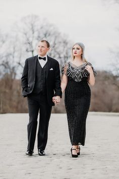Scott Fitzgerald himself would approve of this Hartwood Acres engagement session. See all the glamour on Burgh Brides! Black And White Wedding Theme, Black And White Tuxedo, Vintage Hollywood, Hollywood Glamour, Vintage Headpiece, Engagement Shoots, Classic Looks, Couple Photography, Gatsby