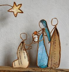 il est comme nous 1 Diy Nativity, Christmas Nativity, Christmas Crafts For Kids, Christmas Diy, Christmas Ornaments, Recycled Paper Crafts, Wire Crafts, Art Fil, Art Deco Bedroom