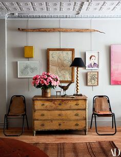 Home Sweet Home: Eclectic, Charming Beauty with John Derian - Explore the Layered Wonderland of John Derian's Home via: Architectural Digest The Manhattan home of John Derian provides a window into the design maes Inspiration Design, Decoration Inspiration, Interior Inspiration, Decor Ideas, Wall Ideas, Home Living, Living Spaces, Living Room, Vintage Home Decor