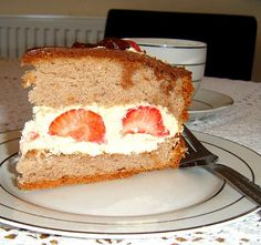 Aleksandra's Recipes: Sponge cake with whipped cream and strawberries.
