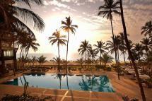 10 Top Restaurants in Mumbai for a Delicious Sunday Brunch: Poolside Brunch: Hotel Novotel