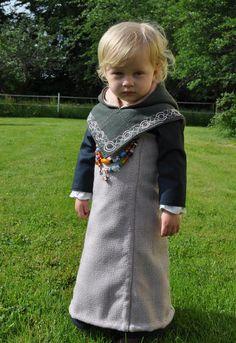 Image: Viking Costume - Sysidan (I like the embroidery border. So cute!)