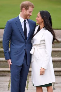 See Harry and Meghan's Royally Sweet Engagement Photos Side by Side With Will and Kate's
