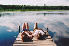 Discovered by ♡ Teen Idle ♡. Find images and videos about girl, summer and nature on We Heart It - the app to get lost in what you love. Lake Pictures, Bff Pictures, Summer Pictures, Cute Photos, Travel Pictures, The Last Summer, Summer Of Love, Summer Fun, Summer Days