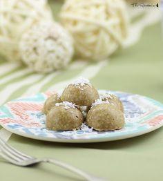 The Rawtarian: Raw vanilla drop cookies