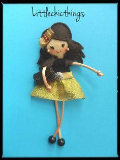 felt doll pin by Littlechicthings Fidget Blankets, Felt Brooch, Felt Dolls, Cute Dolls, Felt Crafts, Yuri, Crochet Hats, Christmas Ornaments, Holiday Decor