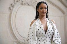 Rihanna sa stala humanitárnou osobnosťou roka  Barbadoská speváčka získala ocenenie Harvardskej univerzity za svoju humanitárnu činnosť.