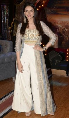 The Week In Style Bollywood style_Hauterfly Indian Gowns Dresses, Indian Fashion Dresses, Dress Indian Style, Pakistani Dresses, Indian Fashion Trends, Fashion Hair, Fashion Outfits, Indie Mode, Indian Designer Suits