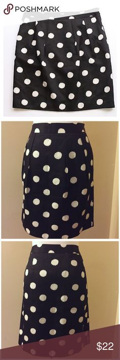 "NWOT Ann Taylor Pleated Polka Dot Silk Blend Skirt Ann Taylor Loft Pleated Polka Dot Silk Blend Skirt --- size 8 --- new without tags --- 61% cotton 39% silk shell - fully lined in acetate --- 2 front pockets --- 15.5"" waist --- 20"" length --- fabric does not have stretch --- thank you for visiting my boutique --- please feel free to ask any questions. ❤️ Ann Taylor Skirts"