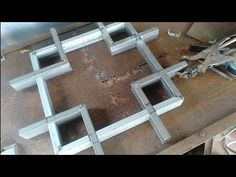 Make a minimalist fence box ornaments Welded Furniture, Steel Furniture, Easy Woodworking Projects, Welding Projects, Used Tools, Cool Tools, Welding Tips, Industrial Pipe, Metal Fabrication