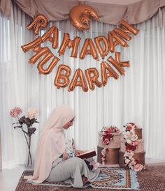 Ramadan Mubarak to all 🌚❤️❤️ Ramadan Images, Ramadan Cards, Islam Ramadan, Ramadan Mubarak, Modest Fashion Hijab, Modesty Fashion, Hijab Moda, Ramzan Eid, Eid Cake